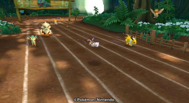 Mew spielt beim Schüttelsprint gegen ein paar andere Pokémon